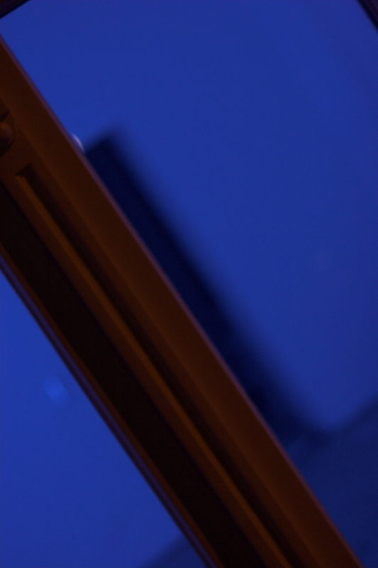 Canon EOS 20D and Canon EF 50mm: Blue Window